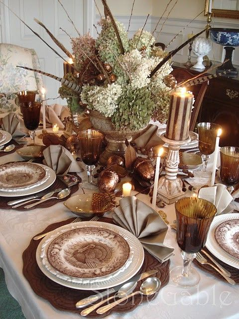 Inspirational Holiday Table Setting & Centerpiece Ideas | Fab You Bliss: