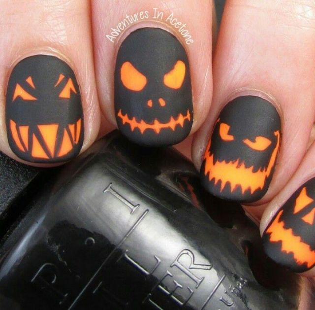 Spooky glowing Jack o'lanterns Nail Art, Halloween: