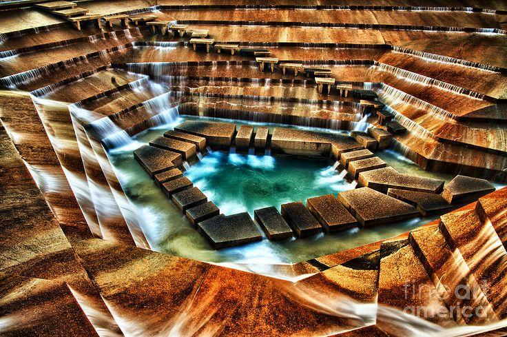 Philip Johnson public water garden in Fort Worth, Texas