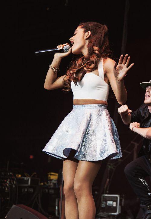 Ariana Grande lllllllllllloooooooooovvvvvvvvveeeeeeee hhhhhheeeeeeeerrrrrrrrrrrr