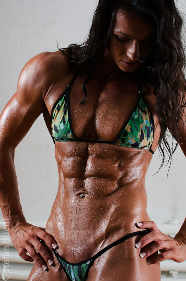 Personal Trainer Cindy Landolt Posing Her Amazing Ripped