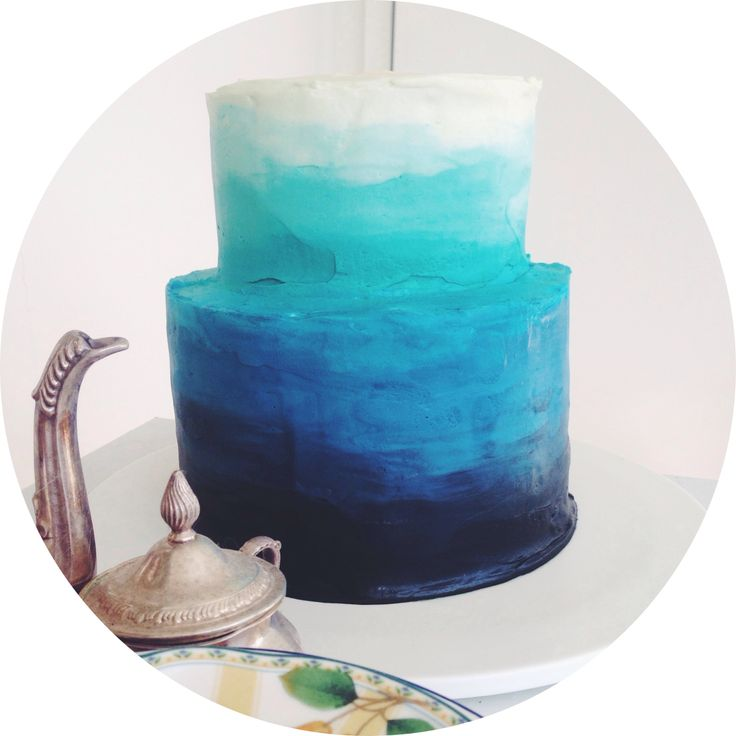 Blue Ombre Cake Except Reverse And Have It Blue To Red