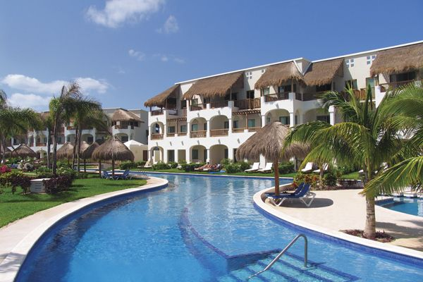Valentin Imperial Maya Swim Up Rooms About 30 Minutes