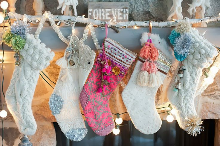 1000 Ideas About Knitted Christmas Stockings On Pinterest