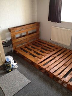 notinabox: DIY Pallet Bed – would be a fun project for me and my boys.