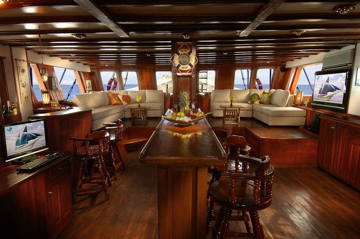 Yachts Classic Luxury Vintage Yacht Interior Design The