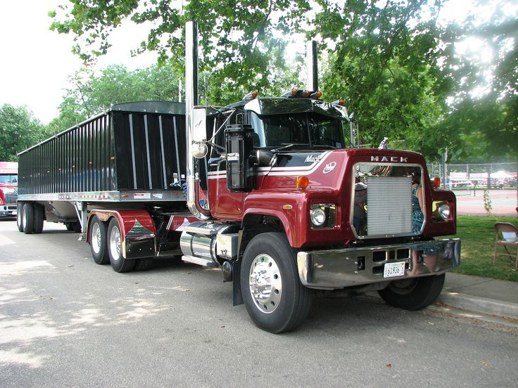 Mack R truck heavyhauling Mack R Model Pinterest