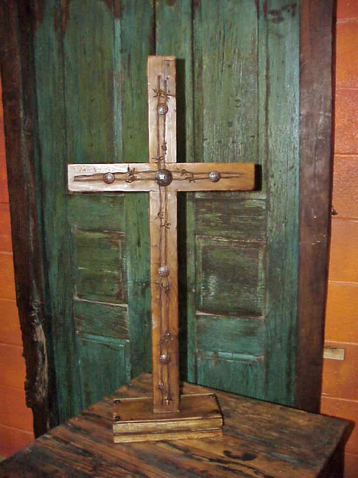 Rustic Wood Amp Barbed Wire Pedestal Cross 32 Rustic Wood Pedestal And The Ojays