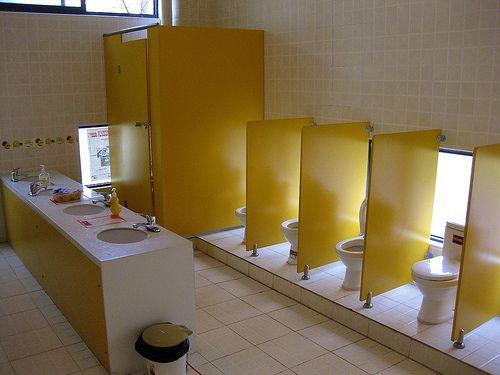 17 Best images about Toilettes maternelles on Pinterest ...