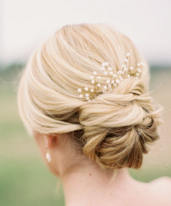1000 images about Wedding  Hairstyles  on Pinterest Updo