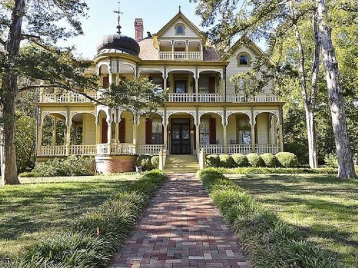 Queen Anne Victorian Style Mansion in Texas. Southern