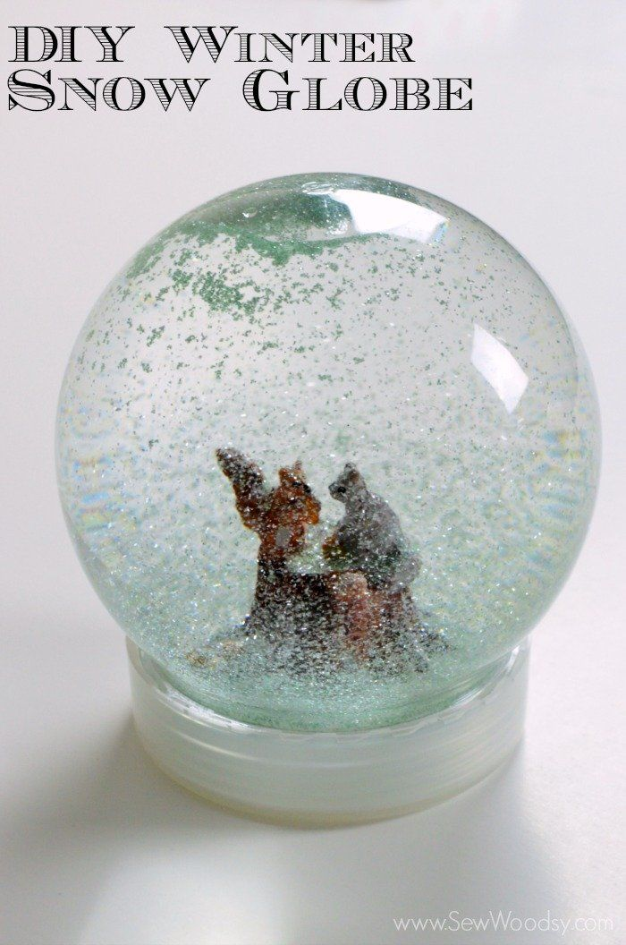Make a Winter Snow Globe in 4 easy steps! DIY