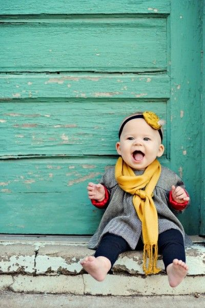 9 Month old Baby Photo Inspiration – Smiling Color