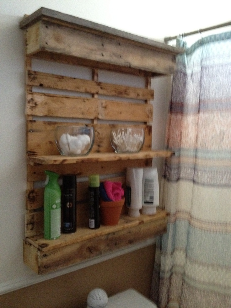 Bathroom shelf...I pallets! Jose made it! Pinterest