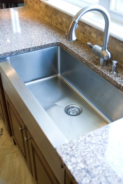 Farmhouse Stainless Steel Sink With Granite Countertop
