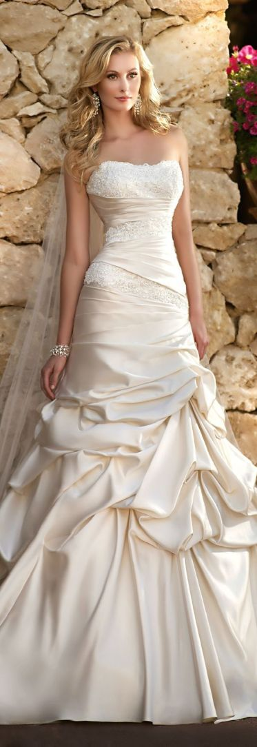 Exquisite Satin & Lace Cascading Ruffle Wedding Dress ♥