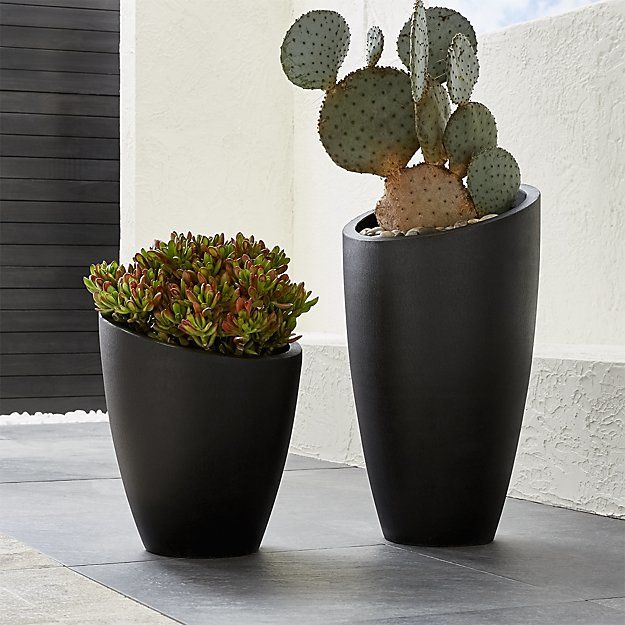 Saddle Railing Planters