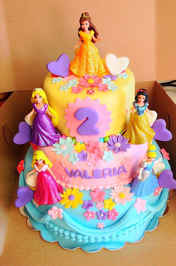 Valeria's disney princess cake.. Icing & Sugar Dust