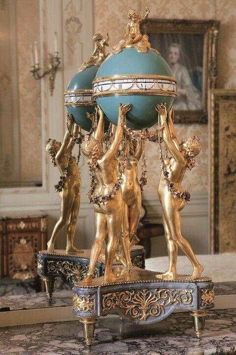 Musee Jacquemart André - Les trois graces soutenant une mappemonde atelier parisien (Vers 1780 pendule en bronze)