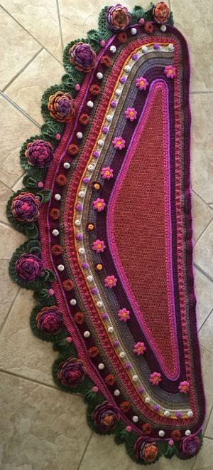 My shawl done by Gretha Botma inspired by Adinda Zoutman