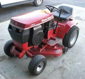Toro Wheel Horse 3128 Garden Tractor with 36