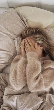 Making Mondays NOT Suck by laying in bed for an extra 5 minutes