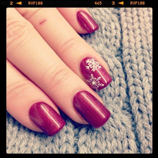 nail-design-winter-weihnachten-rot-gel-schneeflocken.jpg 612612 pixels