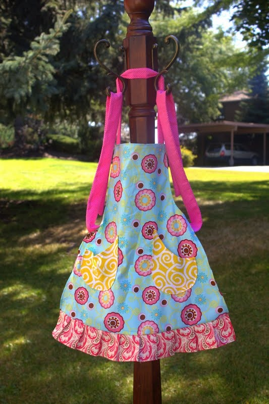 Little Girl Aprons For Helping Mommy In The Kitchen