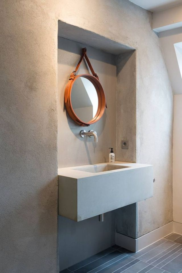 GUBI // Adnet circulaire mirror: