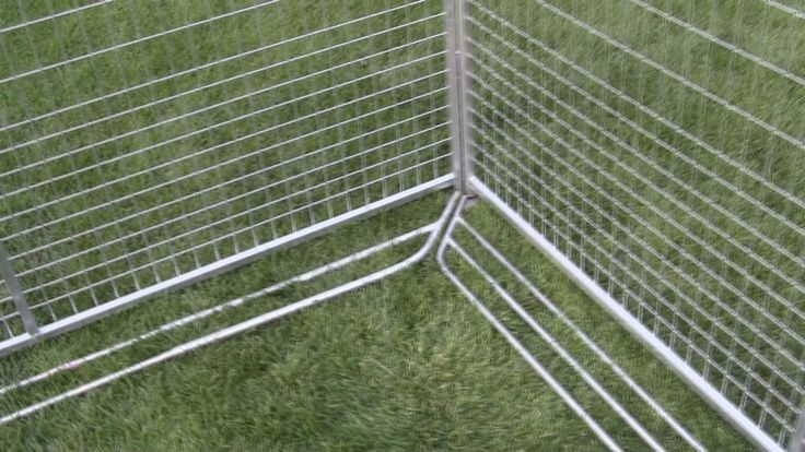 Antidigging bars from k9 kennel store keeps your dog from