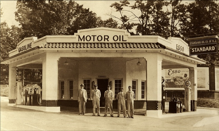 Standard Oil Station and crew. Esso Vintage Service