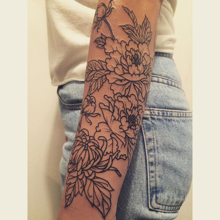 Love how thik the lines are… peonies + chrysanthemum floral forearm for Jordan   tatuajes | Spanish