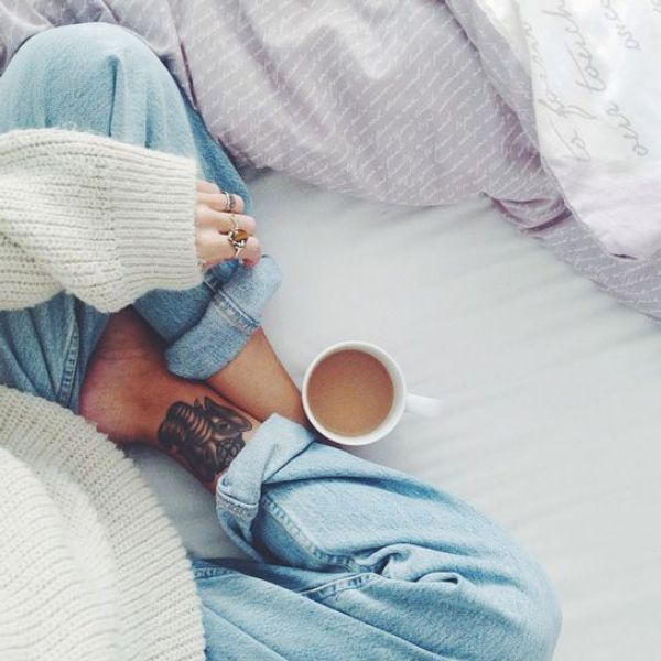 How To Instagram Like A Fashion Blogger, Without Leaving Your Bed #refinery29 http://www.refinery29.com/fashion-blogger-bed-instagram#slide2 Victoria of Afluenza knows that morning coffee is best enjoyed with cozy boyfriend jeans (and a comforter).