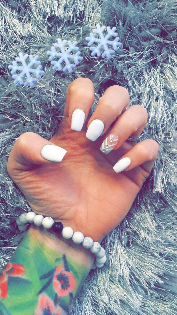 Matte white, short coffin nails for Christmas with Chevron
