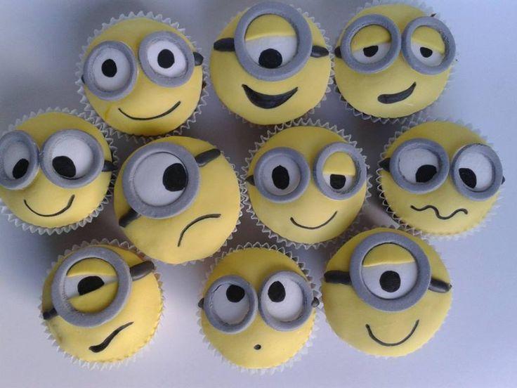 Minion Cupcakes Ideas Para Fiestas My Work Pinterest