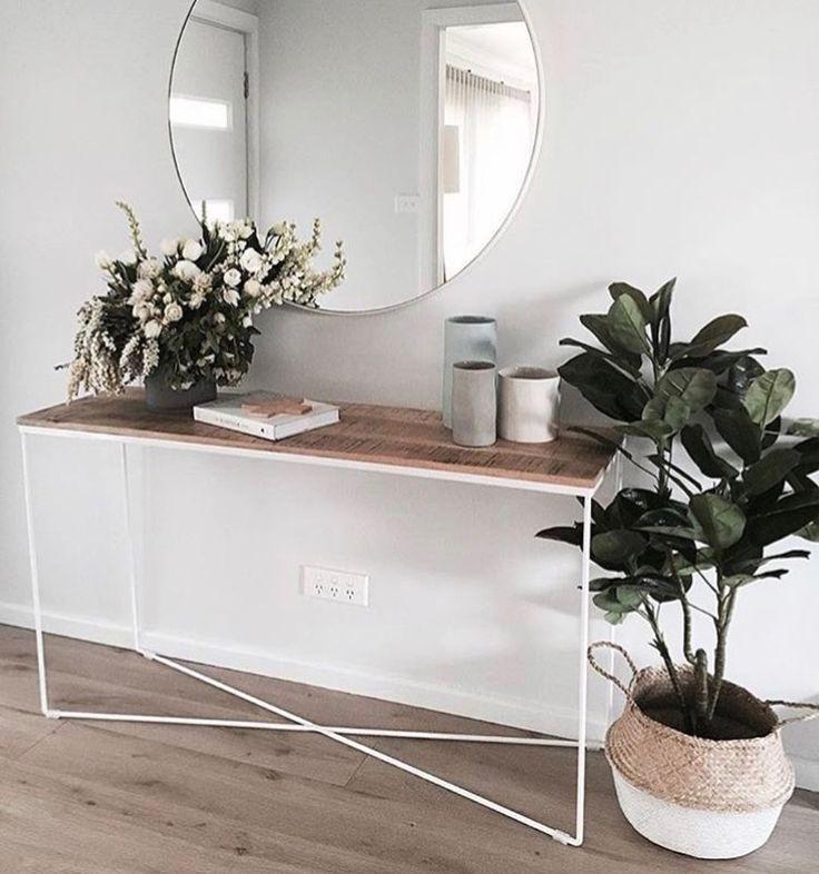 25 Best Hall Table Decor Ideas On Pinterest Foyer Table