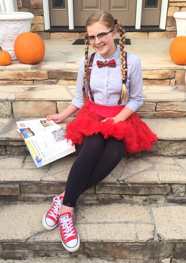 Tween nerd Halloween costume DIY shirt, leggings