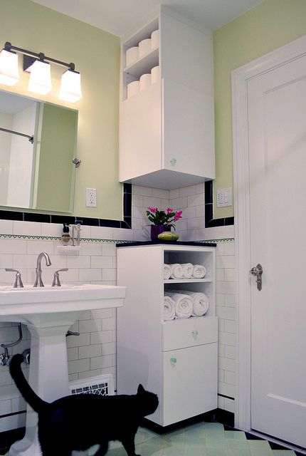17 Best Images About Bathrooms 1925 On Pinterest Vintage Bathrooms Medicine Cabinets And