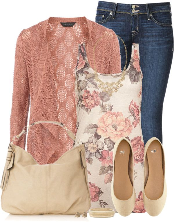 Like this color combination, the detail of the cardigan, and the two button closure on the jeans: