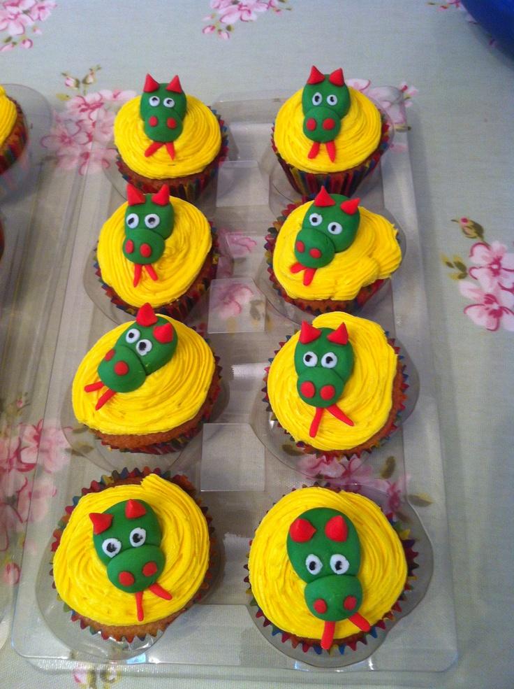 Dragon Cupcakes Blake S Knight Amp Dragon Birthday
