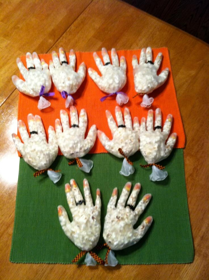 Halloween treats for school. Idea from makingmemorieswit