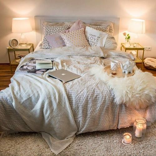 That S A Bed I Want To Sleep In Cuddle Write Nap Bedroom Cozy Ideashome Decor