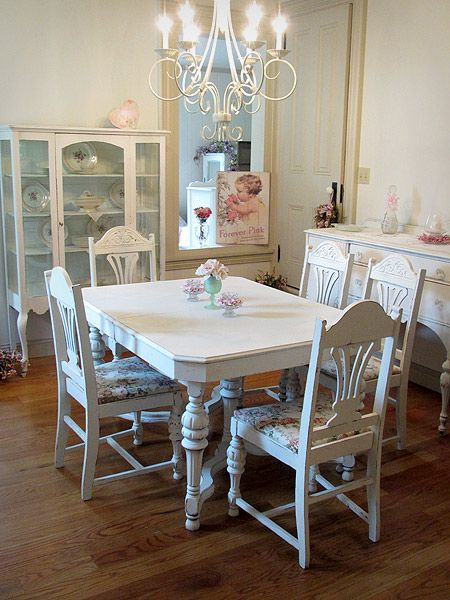 25 Best Ideas About Antique Dining Tables On Pinterest