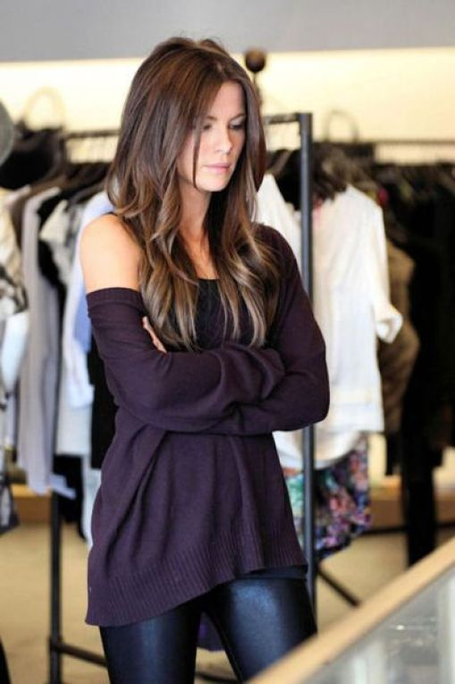 love this look! slouchy jumper with skinny jeans, the perfect mix between casual and classy: