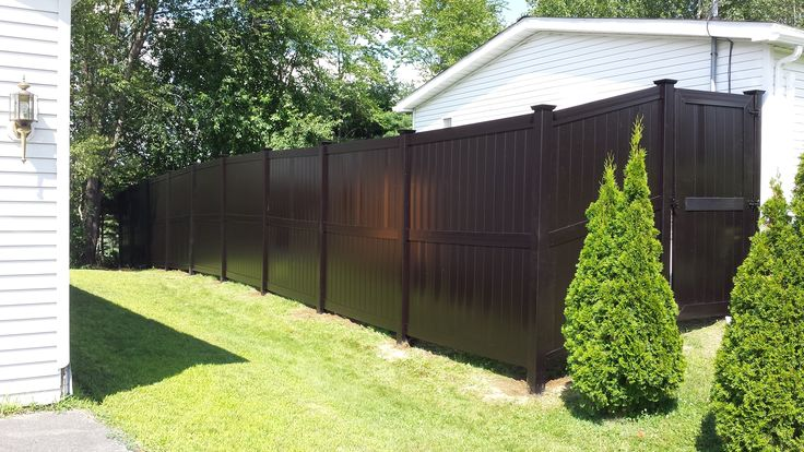 Brown Modern Style Vinyl Fence #pvc #eco #no-maintenance