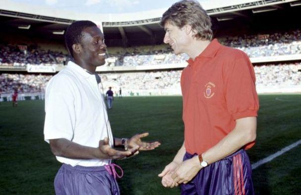 Présidentielle Liberia: Arsène Wenger félicite par erreur George Weah pour sa victoire