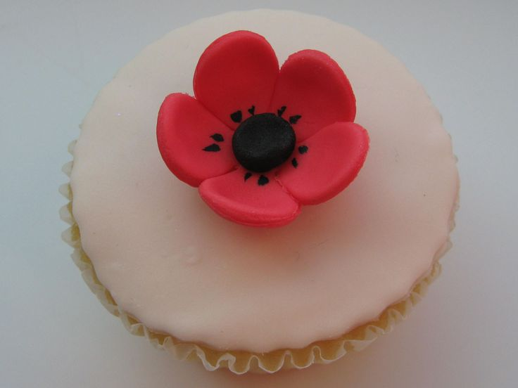 12 Sugar Icing Red Poppy Flower Cake Cupcake Decorations