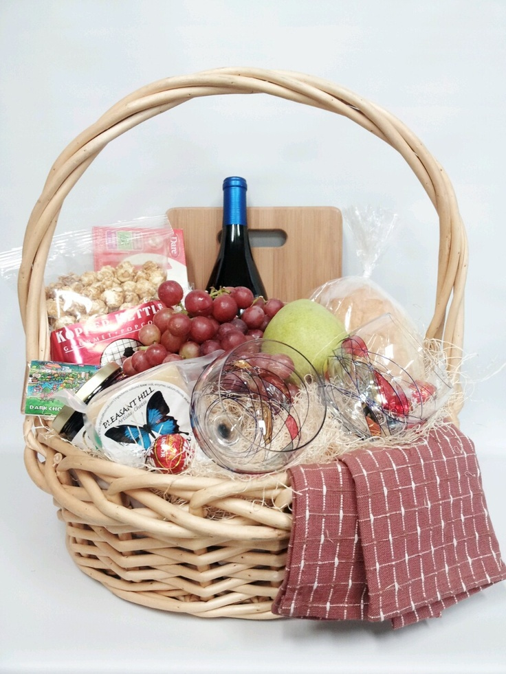 Gourmet & Gluten food and wine basket as a Christmas gift