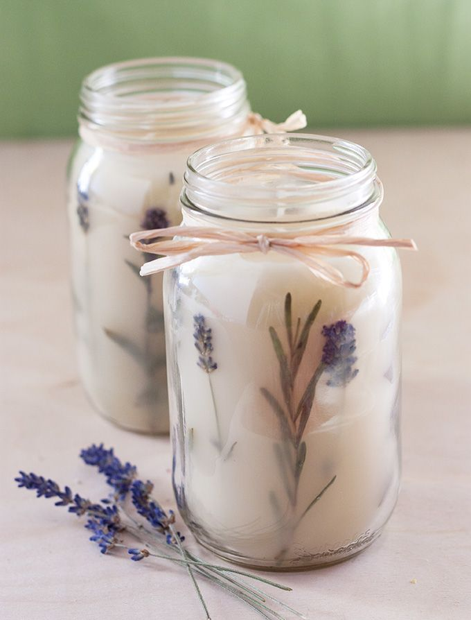 DIY: Pressed Herb Candles – I cant wait to try this project!!! It actually looks