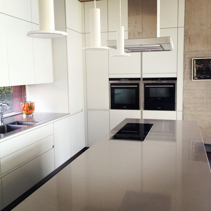 Kitchen White Matt Laminate Units With Grey Silestone